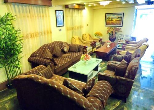 28b19-hotel-sahara-mdl-lobby-1.jpg