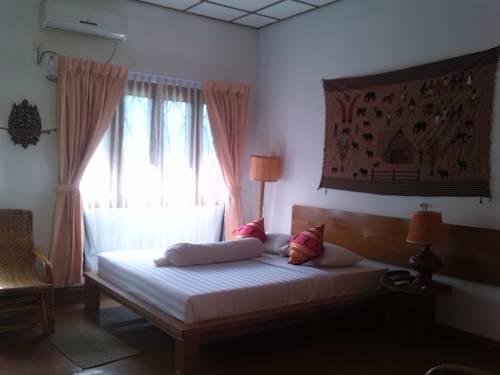 4deb2-lawkanat-hotel-room-2.jpg