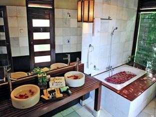 59573-Amata-Resort-Spa-Bed-Tex-Room.jpg