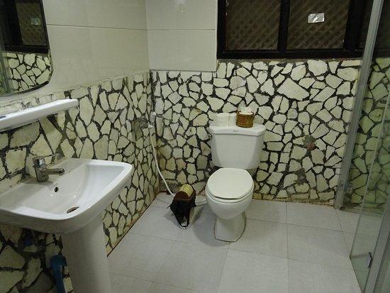 6353c-kaday-aung-hotel.Face-Room.jpg