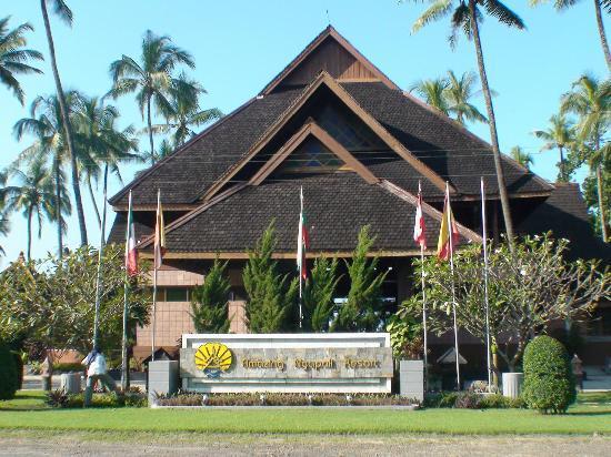 76ca3-Amazing-Ngapali-Resort.jpg