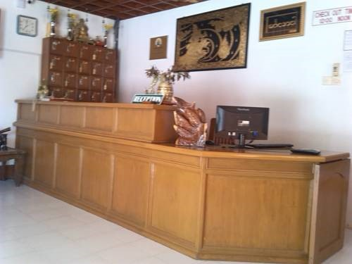 8cff1-lawkanat-hotel-reception-.jpg