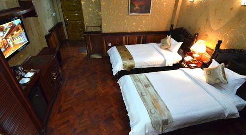 a8090-Hotel-Shwe-Pyi-Thar-Mandalay-DBL-Room.jpg