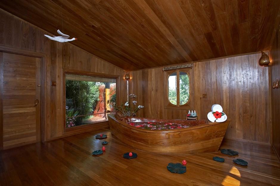 b225d-Inle-Princess-Bed-Tex-Room.jpg