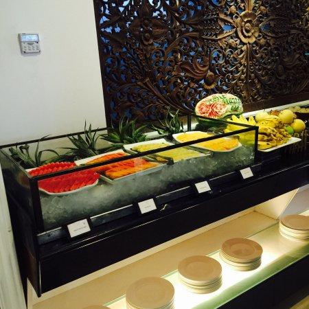 b73dd-hotel-hazel.-Buffe-Food-jpg.jpg