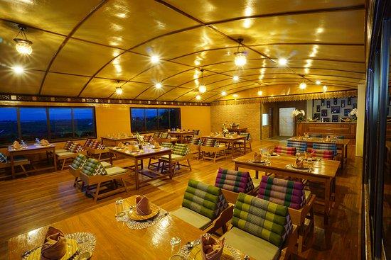 b9f7c-Ann-Heritagae-restaurant-bar-on.jpg