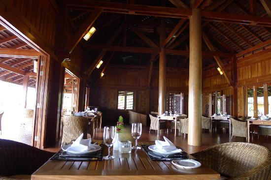 ba4cb-Amara-Ocean-Resort-Lunch-photo.jpg