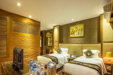 c09a5-bagan-airport-hotel-room-2.jpg