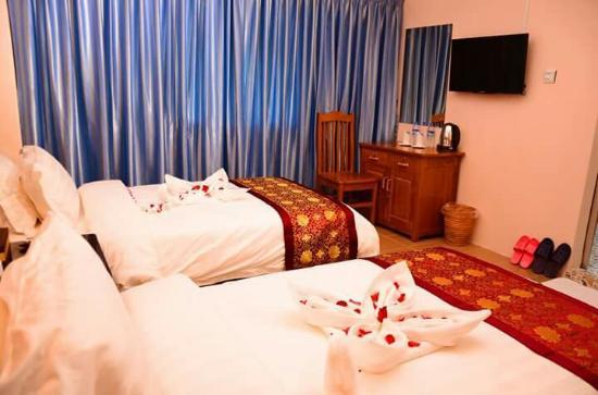 0038f-Real-Link-Hotel-Twin-01.jpg