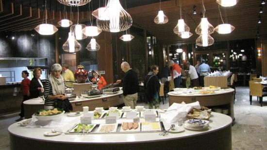 01f22-novotel-inle-lake-Restaurant.jpg