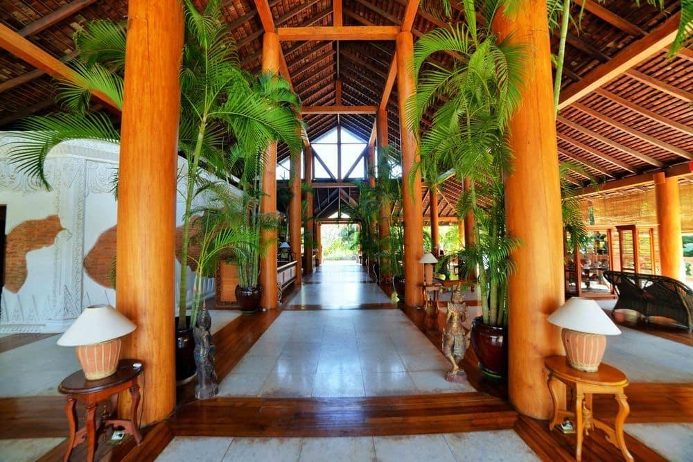0389a-The-Hotel-Tharabar-Gate-Lobby.jpg
