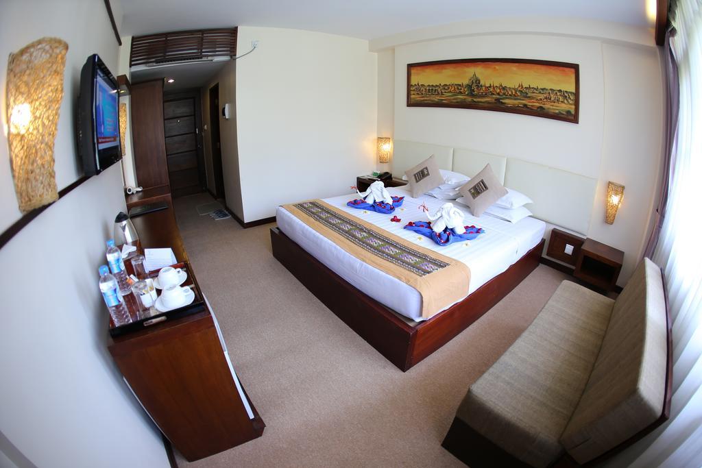 03f72-shwe-yee-pwint-hotel-room-1.jpg