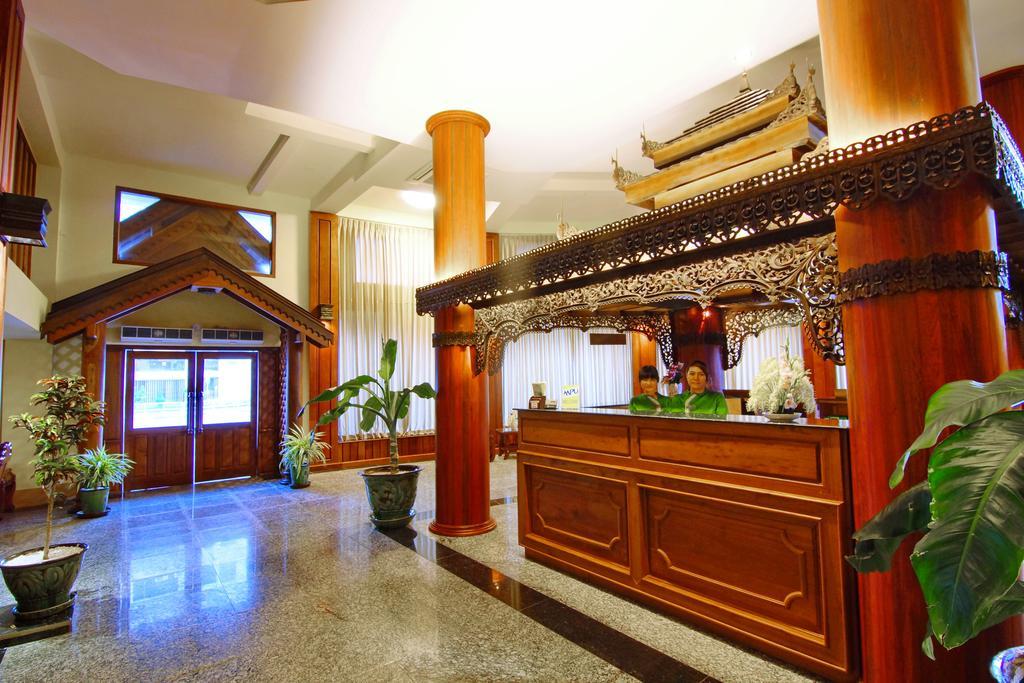 1179d-shwe-ingyinn-hotel-mdl-reception.jpg