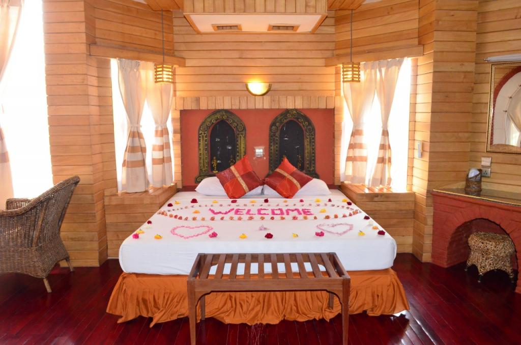 12097-Kaday-Aung-Hotel-Best-Double.jpg