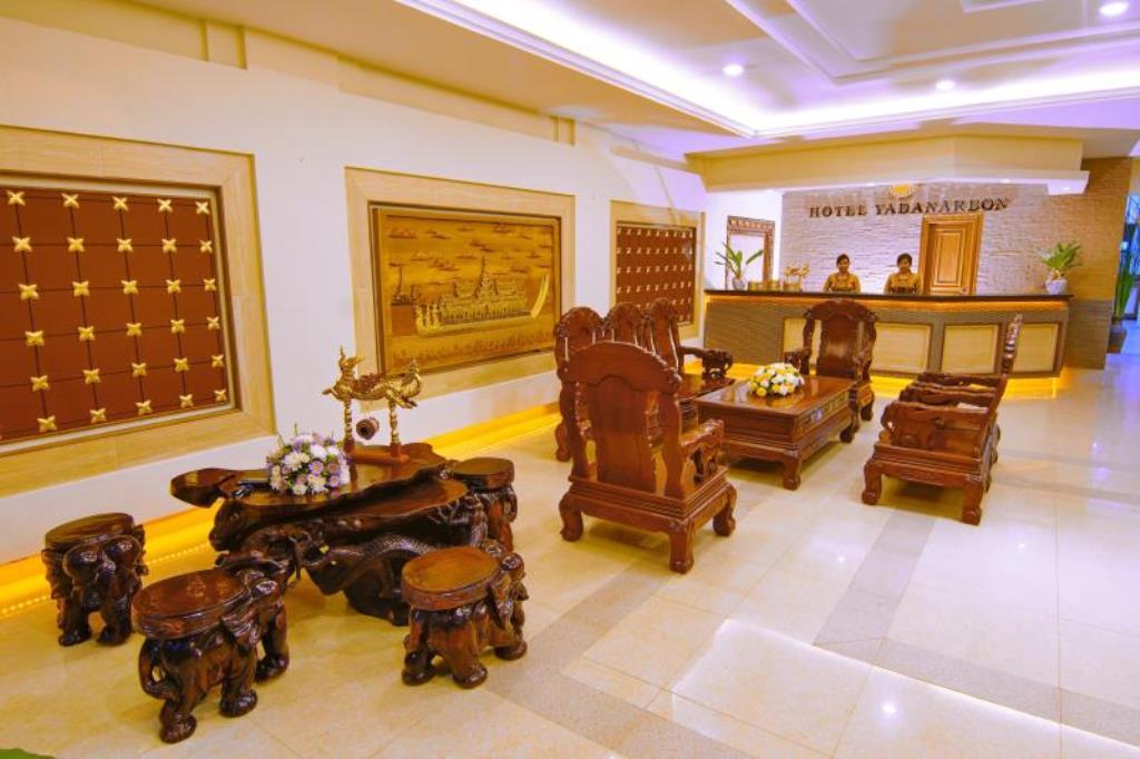 122be-Hotel-Yandanar-Bon-lobby.jpg