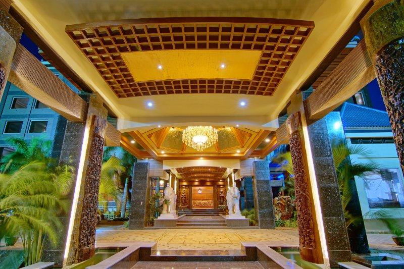 170ce-Hotel-Shwe-Pyi-Thar-Lobby.jpg