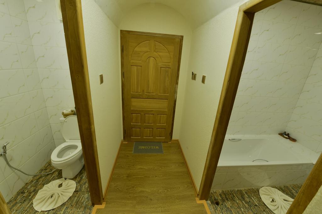 177ef-Ann-Heritage-bath.jpg