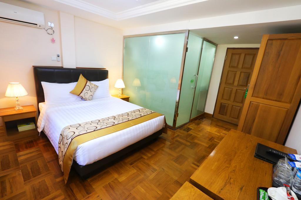 18ec1-hotel-bahosi-room-2.jpg