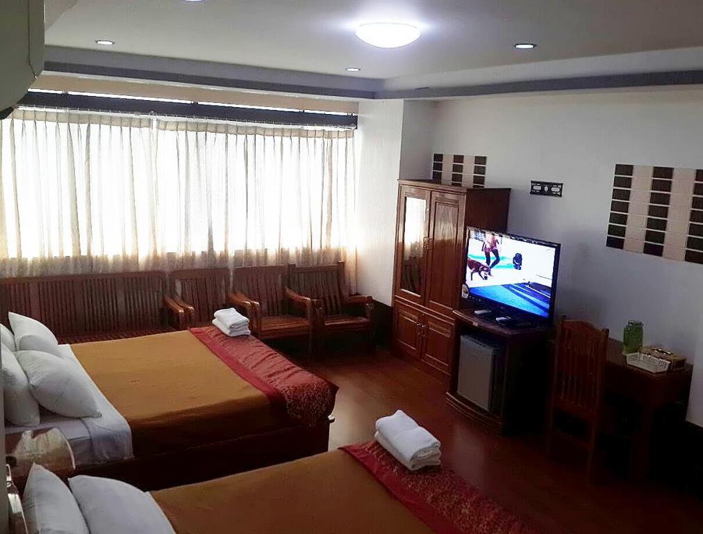 19d7f-mgm-hotel-room-5.jpg