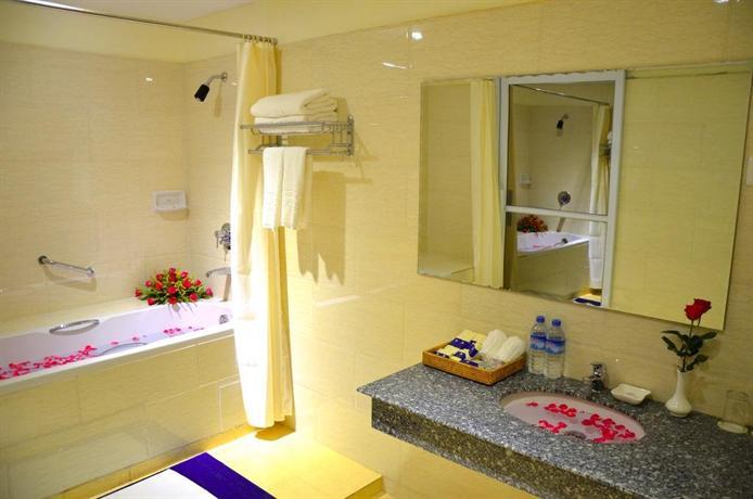 1a369-Shwe-Htee-Hotel-Bath.jpg