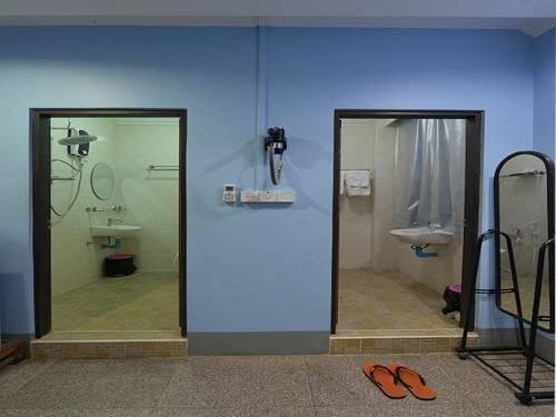 1e022-Mother-Home-Shower-Room.jpg