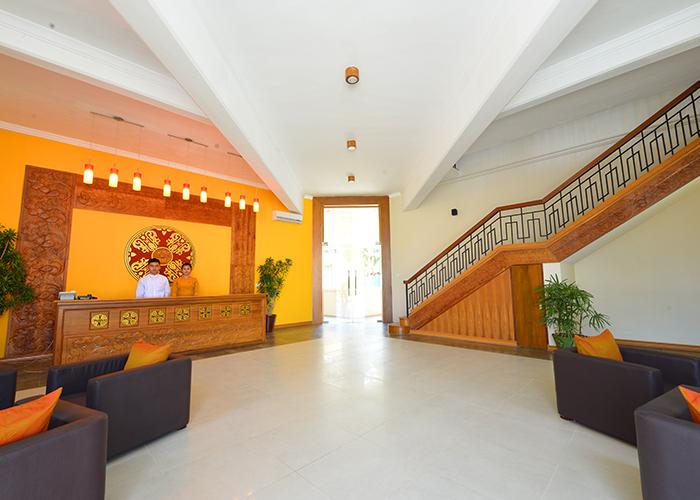 266cd-Hotel-Amazing-Lobby.jpg