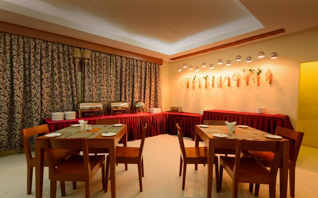 2e275-oway-grand-hotel-mdl-dinning-room.jpg