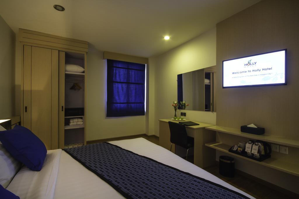 30703-Holly-Hotel-DBL-Best.jpg