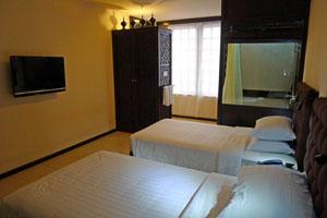 3300d-_Hotel_East_superior.jpg