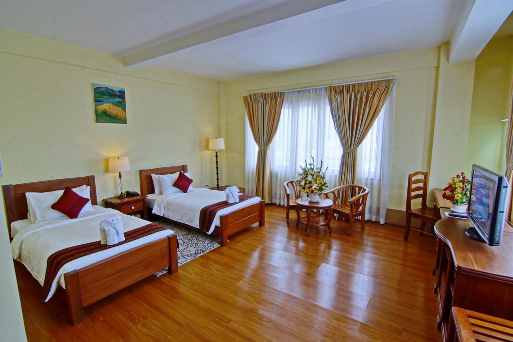 35f42-shwe-ingyinn-hotel-mdl-room-5.jpg