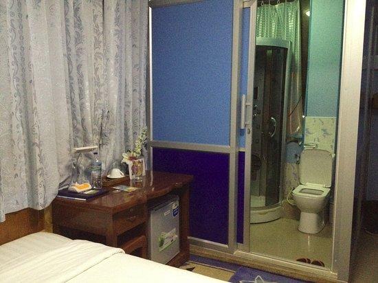 37438-mother-s-home-motel.Shower.jpg