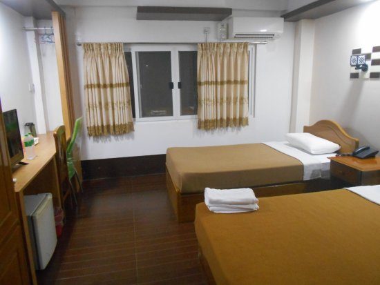 3cf44-mgm-hotel-room-3.jpg