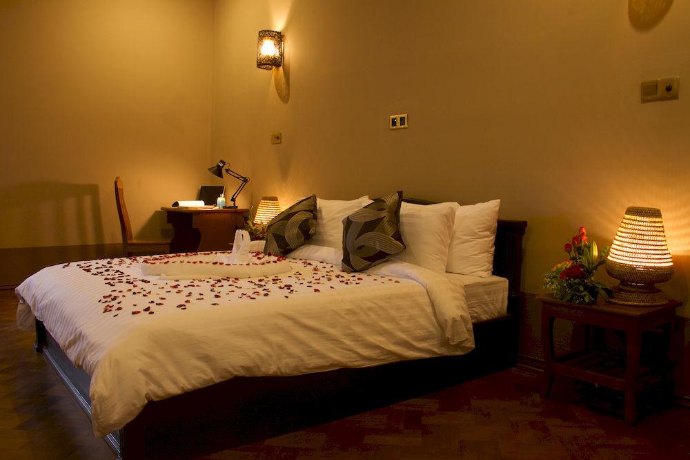 45255-Triumph-Hotel--DBL.jpg