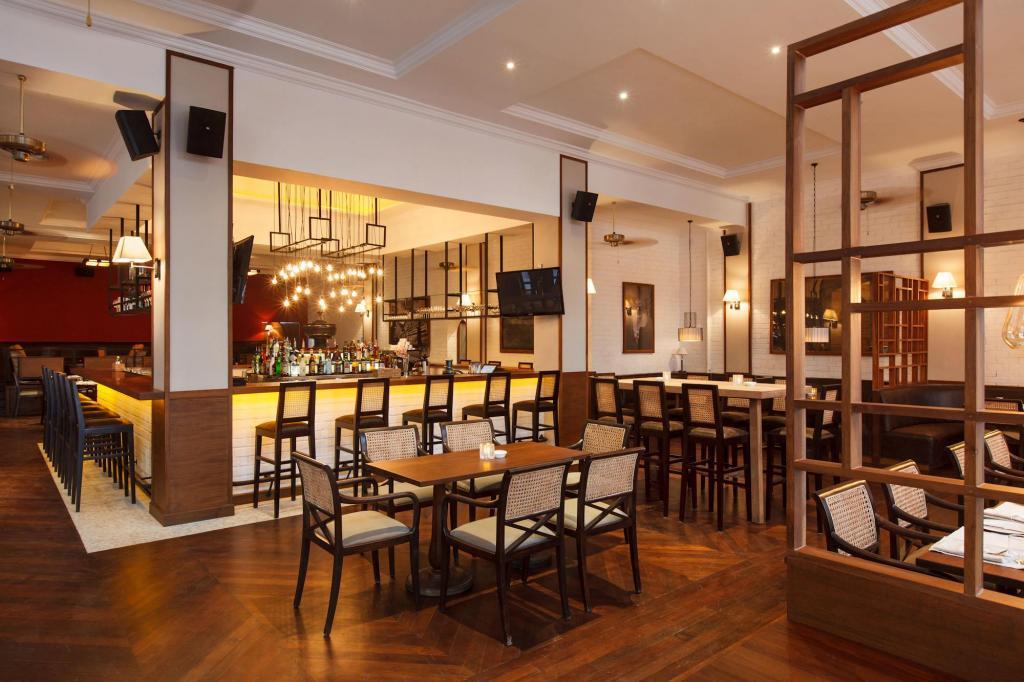 4fbfd-Alfa-Hotel-Lobby.jpg