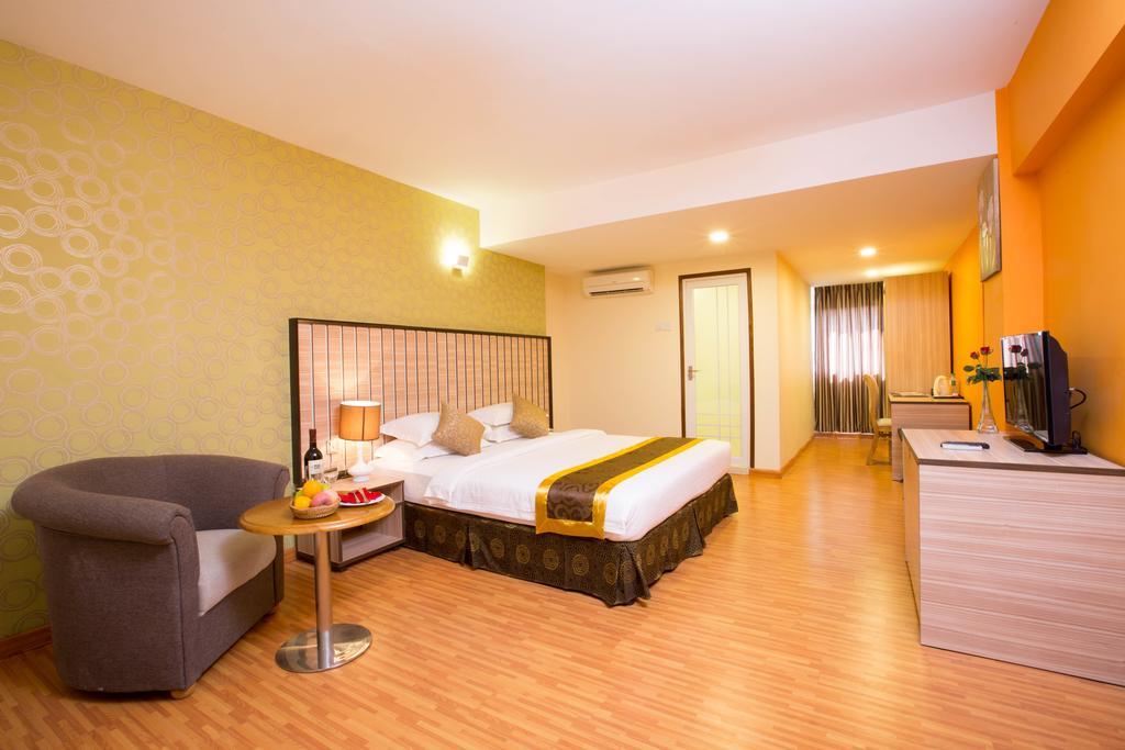 5185d-uptown-hotel-room3.jpg