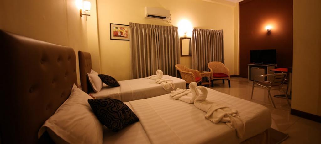 58120-Platinum-Hotel-Twin.jpg