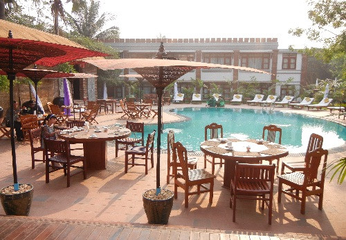 59943-shwe-yee-pwint-hotel-swimming-pool-1.jpg