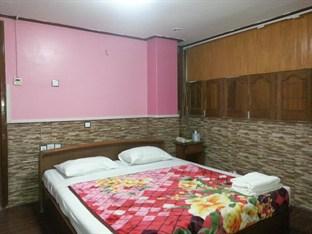 59a3d-mgm-hotel-room2.jpg
