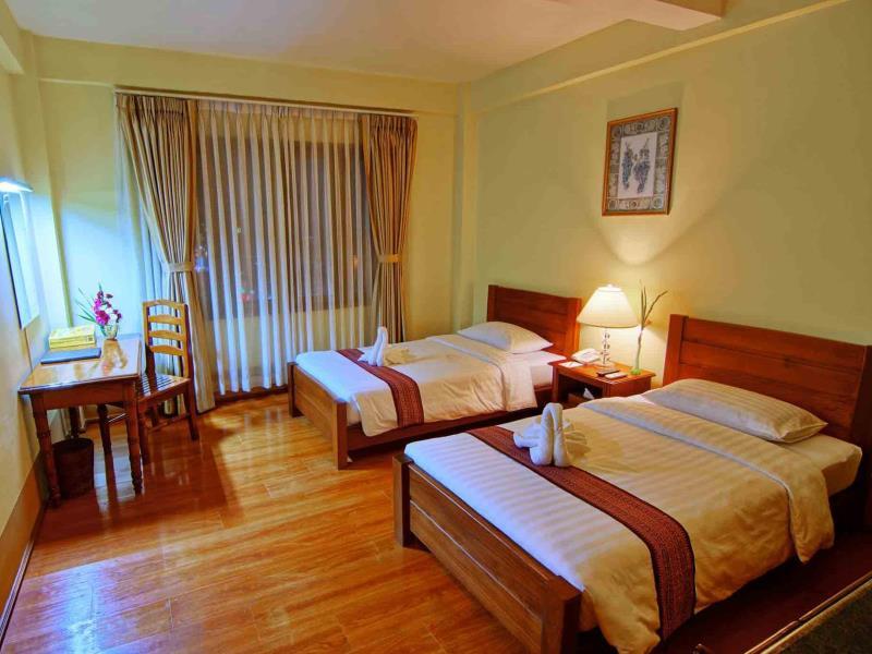608b5-shwe-ingyinn-hotel-mdl-room-1.jpg