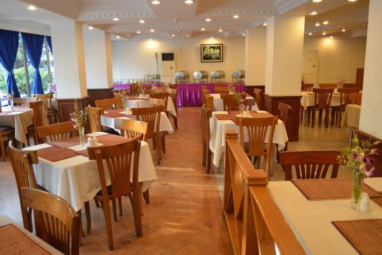60ed3-Orchid-Hotel-restaurant.jpg