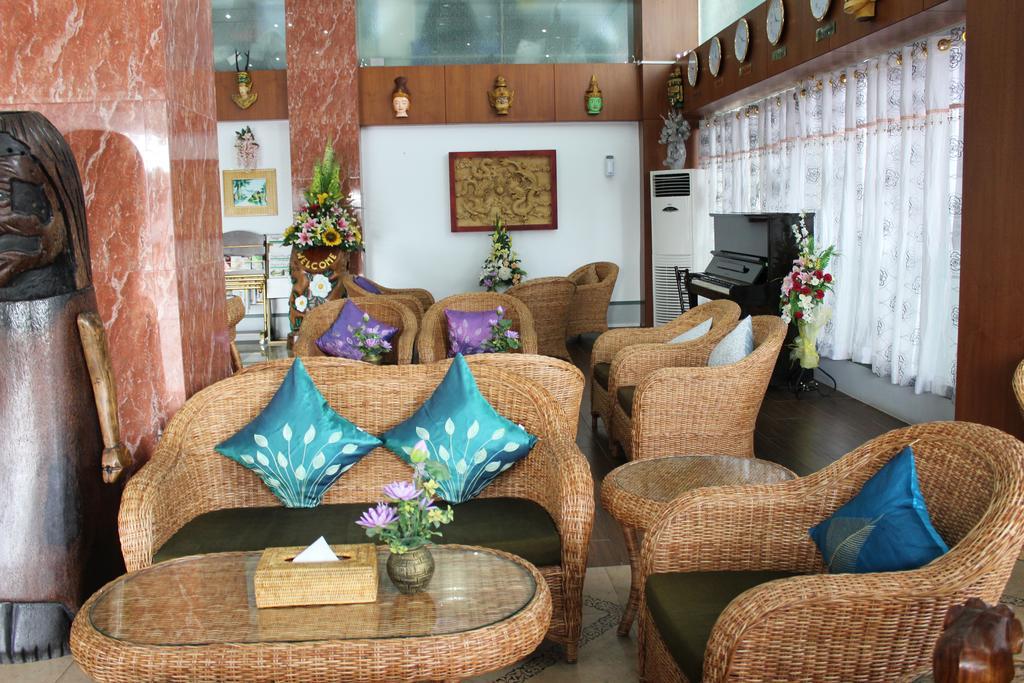 61d60-hotel-kk-respection.jpg