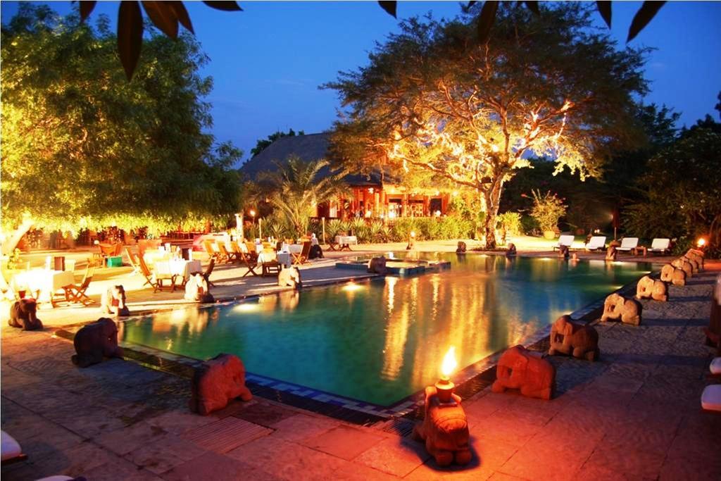 639d9-Tharabar-Gate-Hotel.jpg