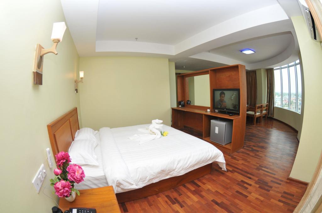 679ec-shwe-phyu-hotel-mdl-room-2.jpg
