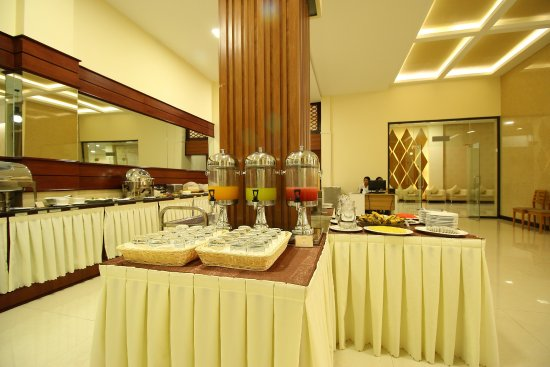 6ac60-victoria-palace-hotel-buffet.jpg