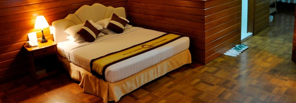 76f1c-hotel-queen-room-1.jpg