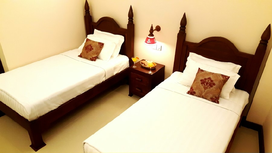 785bf-royal-bagan-hotel-room-2.jpg