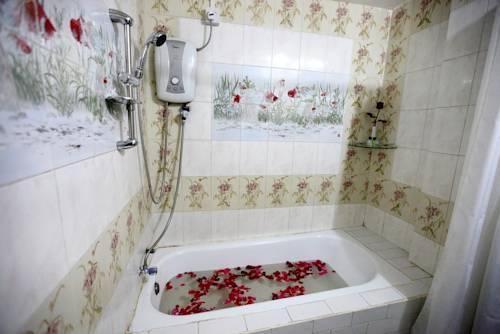 7a39a-Eden-Palace-Hotel-Bath.jpg