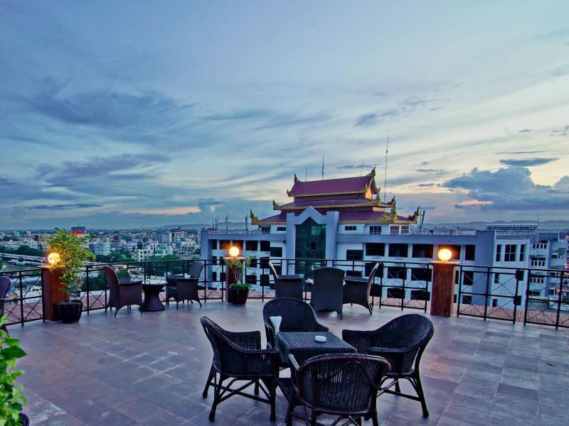 7c489-shwe-ingyinn-hotel-mdl-dinning-room-1.jpg