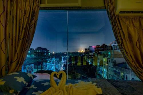 7f0ac-mr.-lee-hotel-room-4.jpg