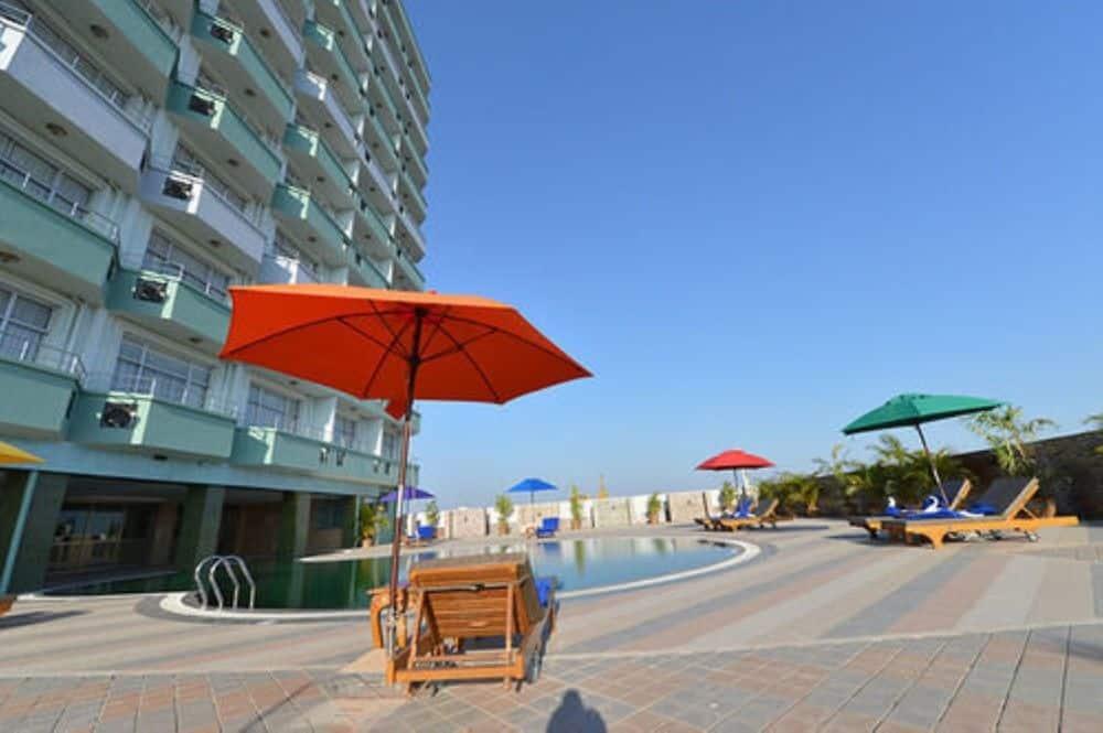 8333e-Sky-Star-Hotel-Swimming.jpg
